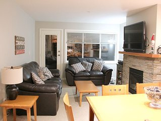 3 Bedroom, 2 Bath townhouse With Private Hot Tub and Mtn Views - Ski In/Out