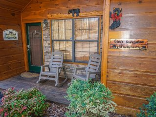 Bears Everywhere, Lovely Cabin, Sleeps 2-4.  EXCELLENT LOCATION-FREE WIFI