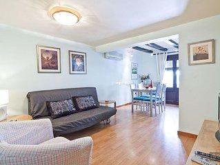 Apartment for 6 people near the Placa Universitat - Barcelona