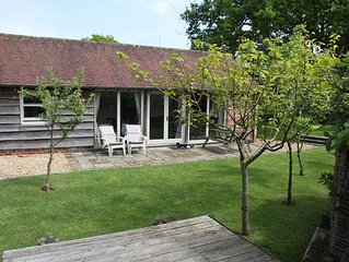 Charming Holiday Cottage With Large Sunny, Secure Patio And Garden