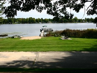Beautiful ada home for rent, Located on ratigan lake. 3 miles from cannonburg mi