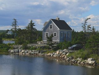 Beautiful post & beam oceanfront cottage with all the modern conveniences