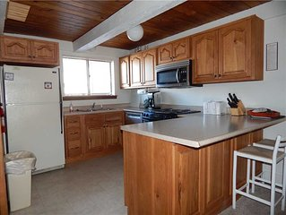 Tri-level 3 bedroom vacation rental at Meadow Ridge Resort with lots of clubhou