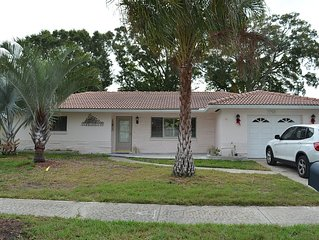 Lovely Home in Quiet Neighborhood, Walking distance to Golf Course