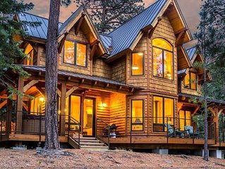 Romantic Luxury Cabin in a spectacular, private setting on Tumalo Lake in Bend