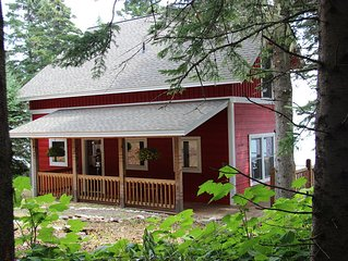 Come Home to Cairn Cottage! Private Cottage on Lake Superior