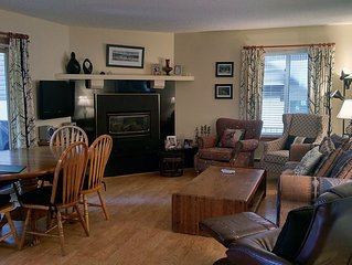 BC West #U-1: Deluxe 3BR Condo w/FREE Skier Shuttle, Heated Pool, Hot Tubs