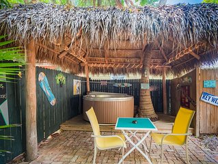Royal Palm Suite - Secluded Cottage w/ Private Hot Tub & Outdoor Shower