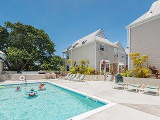 Casa Bonita- Luxury Duval St. Condo w/ Shared Pool & Balcony