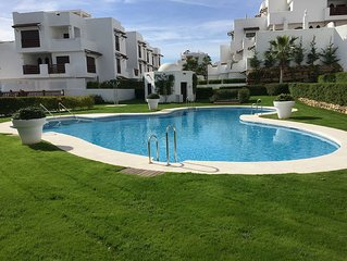 Lovely Modern 2 Bed Apartment Close to Resina Golf