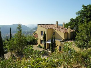 Beautifully situated cottages with panoramic views over the valley Lodeve