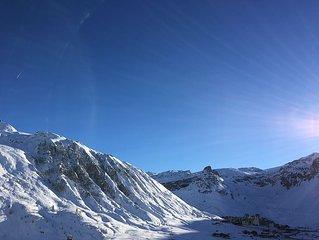 Tignes le Lac ski with beautiful views feet calm