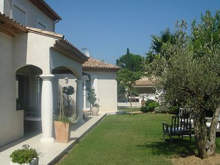 160 m2 villa with pool on 1000 m2 of landscaped garden,