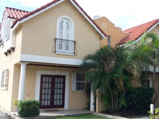Upmarket Barbados holiday home, close to Rockley golf course and Rockley beach