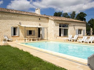 Set on wine estate, private solar heated pool, views over vines & countryside