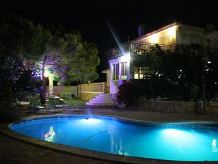 Situated in Costa Azahar. At 10 meters from the beach.