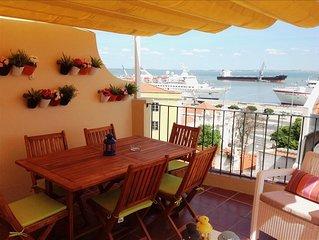 Remedios VI -sunny terrace with river view , fantastic location in historic cen