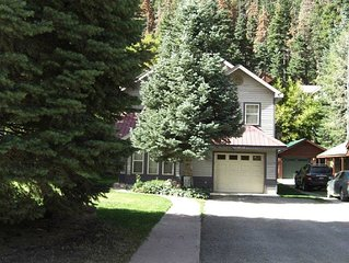 5 minutes to Riverwalk Trail, hiking trails, hot springs pool, park and downtow