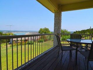Three Bedroom Home in Briarcliff overlooking Lake Travis!