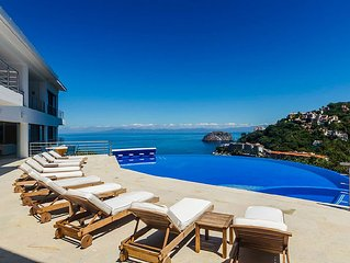 Villa Magnifico has the Ultimate Indoor/Outdoor Living Experience and Breath-Tak