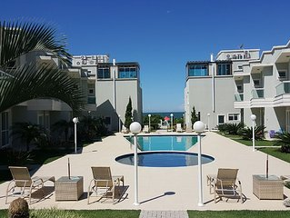 floor 115, front condo in the sea, walking in the sand, 3 complete suites,