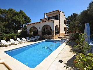 beautiful chalet with roof-sea view and pool for 6 people, 1 minute to the beach