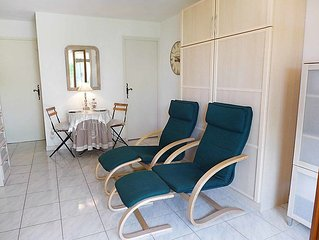 Apartment Le Mas des Calanques  in Saint Aygulf, Cote d'Azur - 2 persons, 1 bed