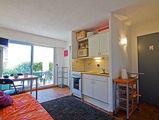 Apartment Le Domaine de la Gaillarde  in Les Issambres, Cote d'Azur - 4 persons