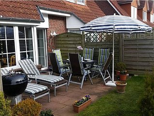 Holiday house near the beach, sun terrace, 6 beds, Weber grill, bicycles, wirel