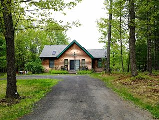 Woodstock-SUMMER Charming 2BR Cottage w/inground POOL on 10acres -mountain views