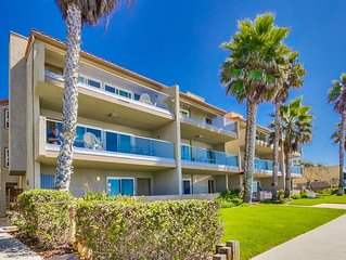 Ocean Front Condo #1 Studio (NEWLY RENOVATED!) - Sleeps 4