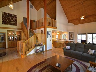 Granite Ridge Retreat: 3 BR / 2 BA  in Shaver Lake, Sleeps 12