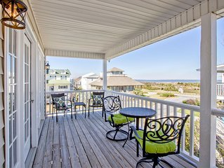 Beautifully Decorated North Tybee Home with Bay Views, Pet Friendly, Quiet Neig