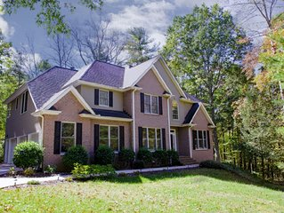 Serenity Falls; Private, 5-Bdrm Asheville Wooded Retreat; Close to Asheville!