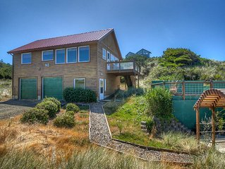 Waldport Oregon Secluded ocean front with panoramic views!
