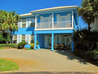 Bermuda House*5BR/3BA Walk to the Beach! New Updates! Steps to the Pool!