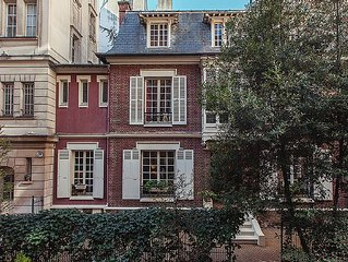 Private Mansion , Townhouse Porte maillot Paris France ,