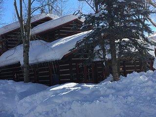 Spacious log home near Grand Teton National Park