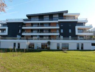 appartement neuf   F3  de 2 a 6 personnes  avec terrasse et vue lac!