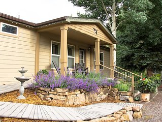 Elegant Riverside Cottage: Private Fishing, Ski Wolf Creek, Great View, Sleeps 4