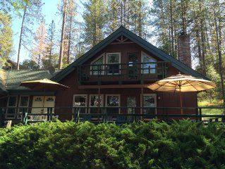 Mountain Lodge Cabin - 5 min. walk to the marina