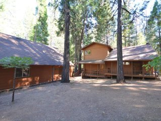 BEARS BUNGALOW: 3BR/2.5BA IN BLUE LAKE SPRINGS WITH BUNK ROOM (4TH BR)/REC ROOM