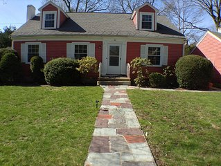 Summer Sites in New England - Waltham Three Bedroom Home - Perfect for a Vis