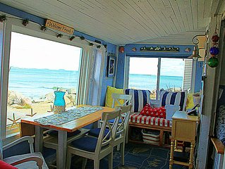 Awesome Ocean Views, close to the Beach Cozy Beach Cottage