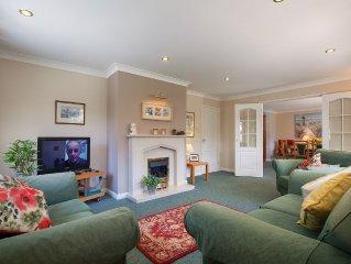 Sunnyside House Shaldon | Sleeps 8, Pet-Friendly, Park 3 Cars, Village Centre