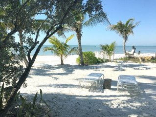 GORGEOUS GULF FRONT Apartment - FRONT ROW - LIVE THE BEACH LIFE!