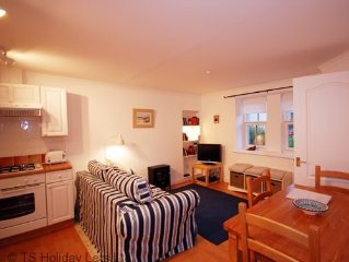Stoney Creek Cottage, Crail, in the lovely East Neuk of Fife has 1 bedroom but s