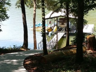�Lake Front Private Retreat 15 min to Clemson� Dock, Pdle boat, Kayaks, canoe