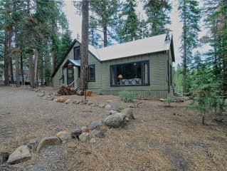 Classic Tahoe Cabin with Beds for 10! Gas Fireplace, Cozy Interior