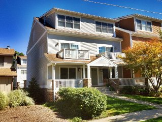 Downtown Saugatuck Townhome, Walk to Everything!